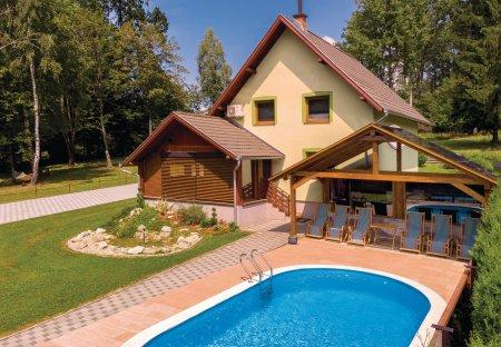 Villa in Novo Zvečevo, Croatia