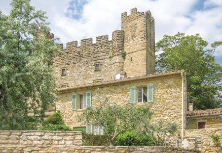 Villa in Castelnau-Valence, the South of France