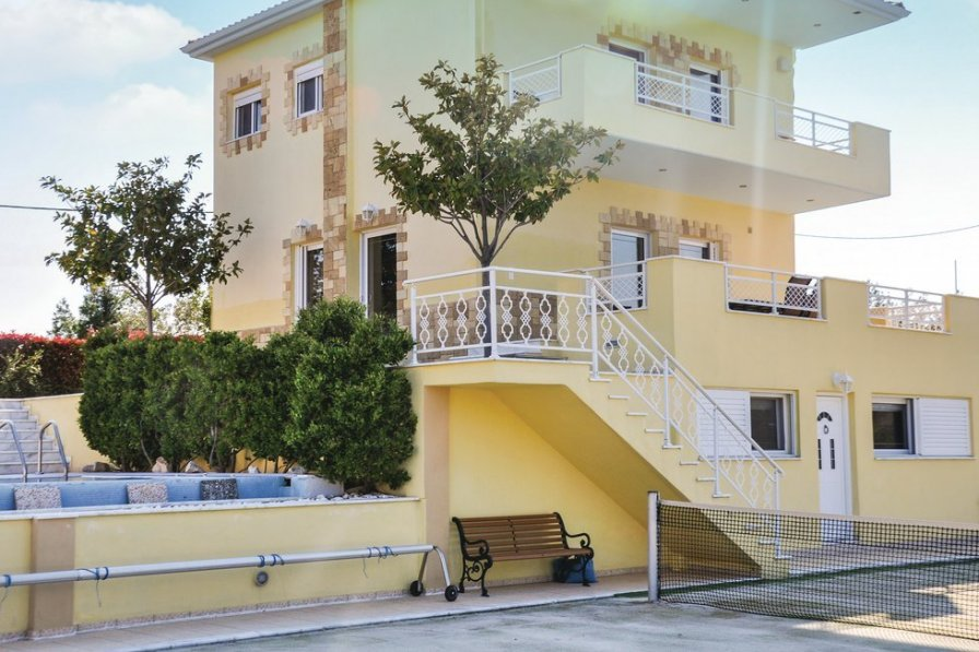 Villa to rent in Greece