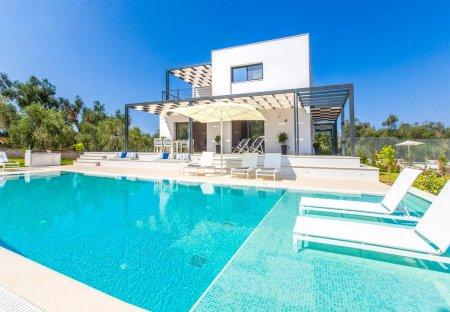 Villa in Agios Matheos, Corfu