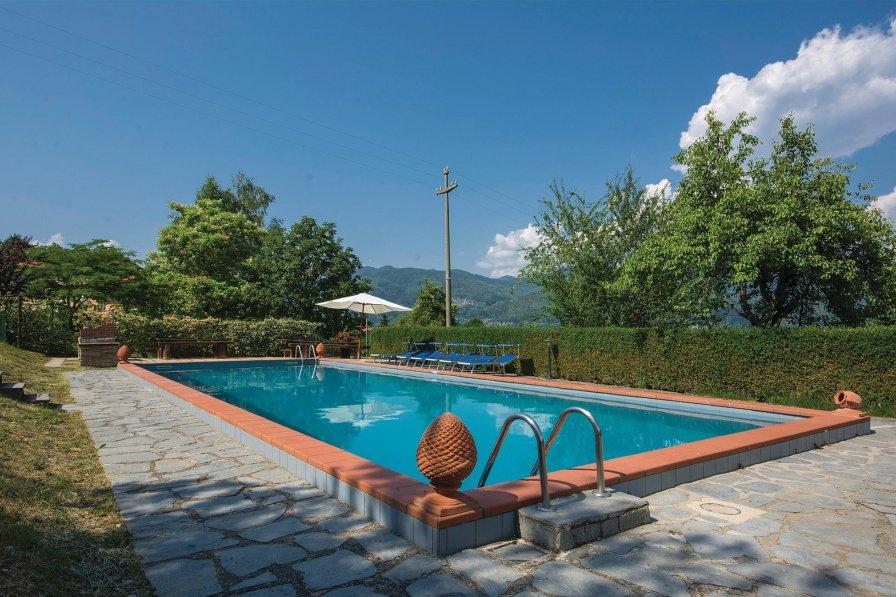 Villa in Italy, Camporgiano