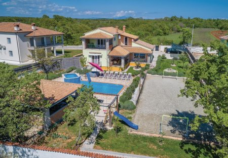 Villa in Režanci, Croatia