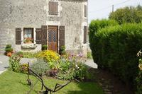 Gite in France, Bazoges-en-Pareds: Garden