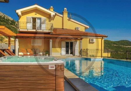 Villa in Vrgorac, Croatia