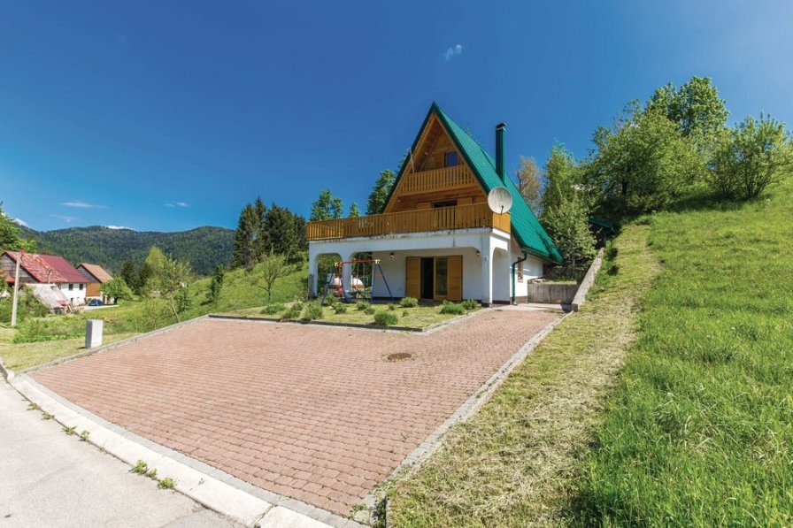 Villa in Croatia, Crni Lug