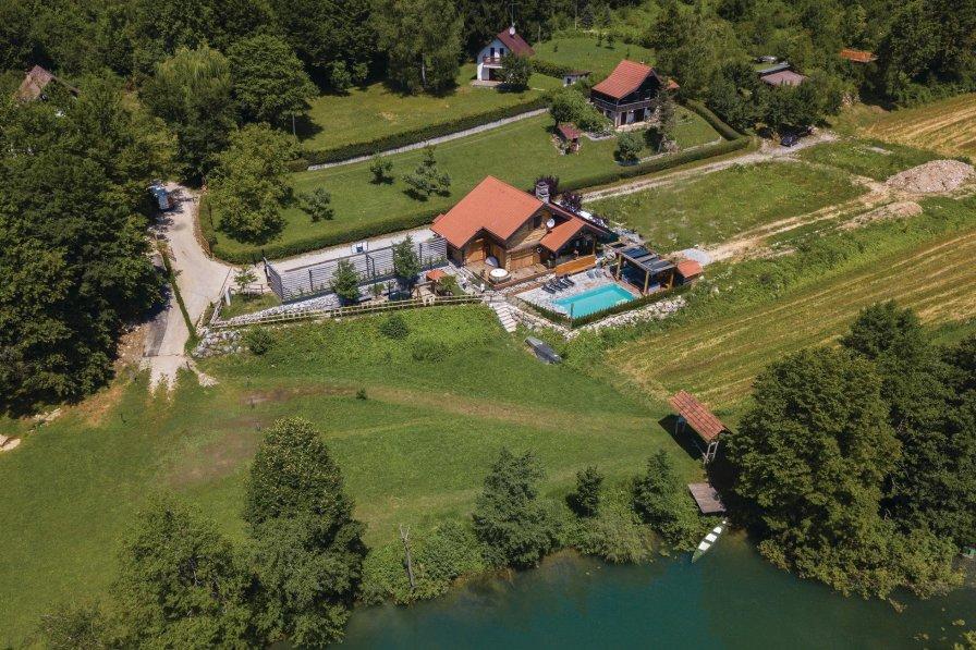 Villa To Rent In Gornji Zve Aj Croatia With Swimming Pool 204982
