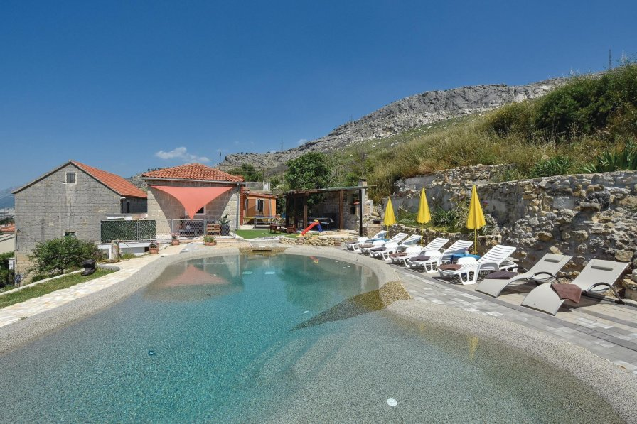 Villa To Rent In Kučine Croatia With Private Pool 205035