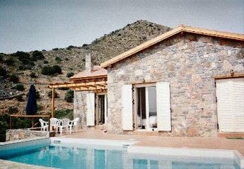 Villa in Greece, Elounda: View from pool to villa