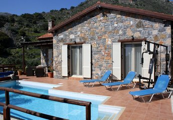 Villa in Greece, Elounda: Villa & pool