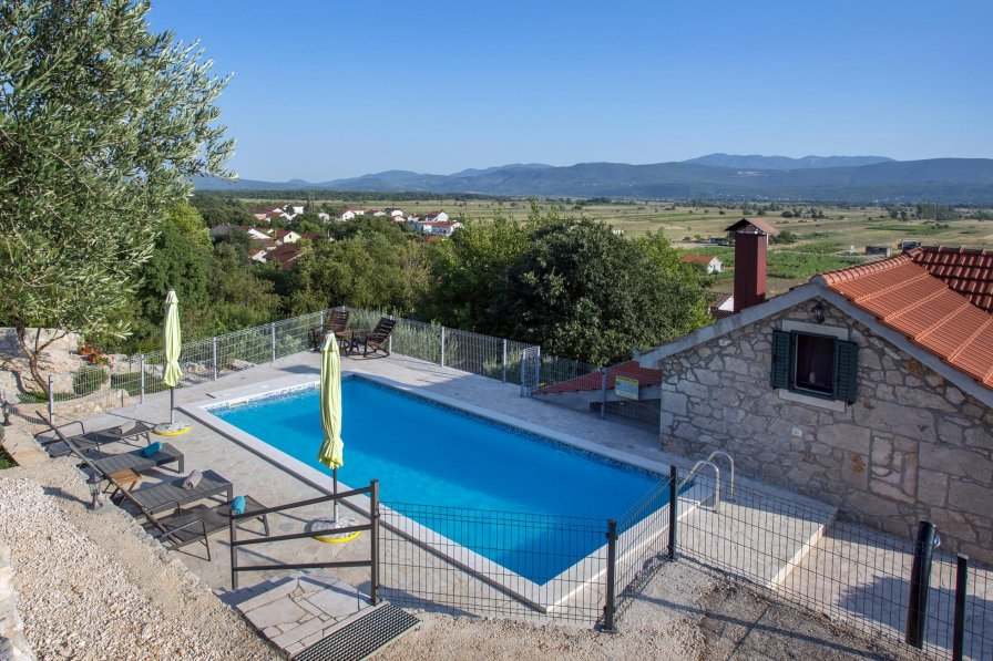 Villa in Croatia, Donji Vinjani