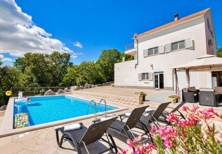 Villa in Lokvičići, Croatia