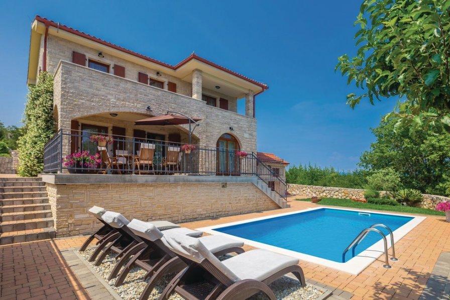 Villa in Croatia, Vrh