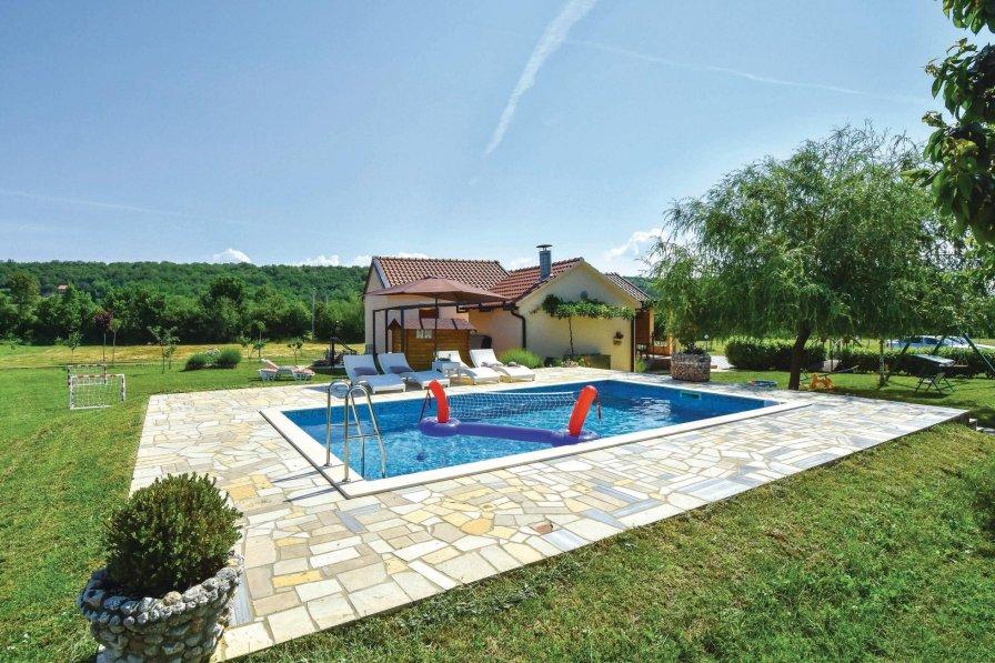 Villa in Croatia, Vojnić Sinjski