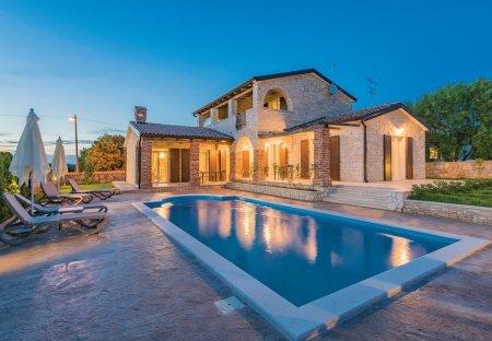 Villa in Štifanići - Stifanici, Croatia