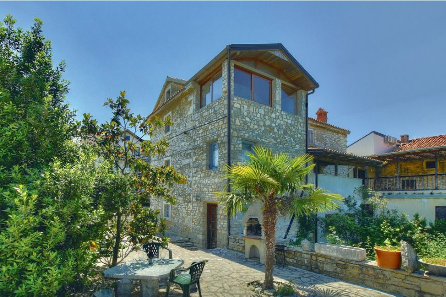 Villa in Croatia, Kaštel