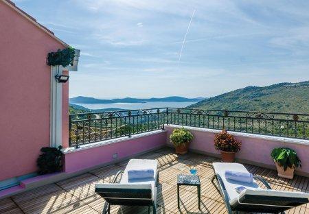 Villa in Mravinca, Croatia