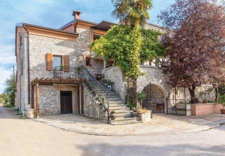 Apartment in Ladrovići, Croatia