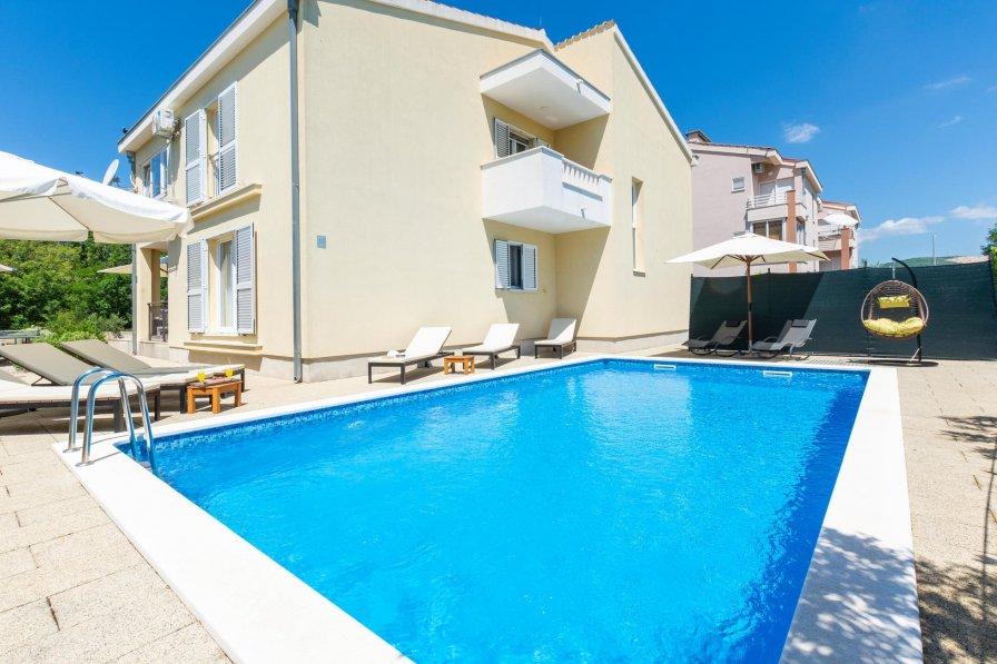 Villa in Croatia, Dugopolje