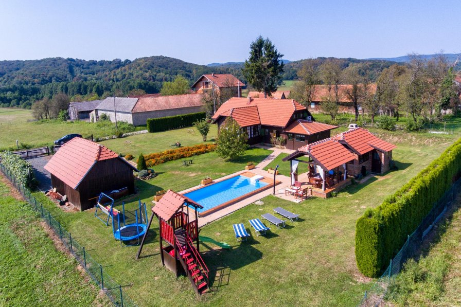 Villa To Rent In Perna Croatia With Swimming Pool 205661