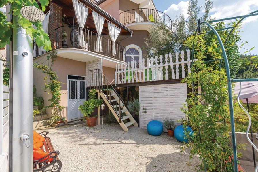 Villa in Croatia, Kaldir
