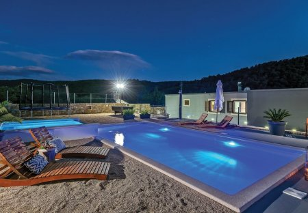 Villa in Srinjine, Croatia