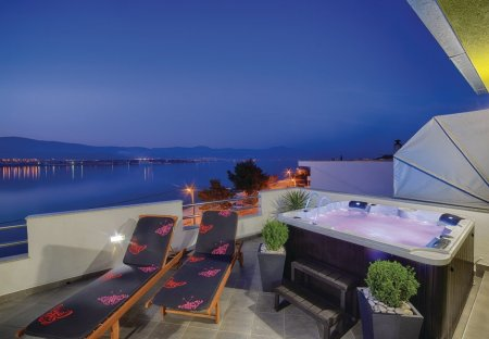 Apartment in Mastrinka, Croatia