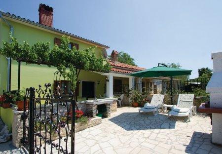 Villa in Belavići, Croatia