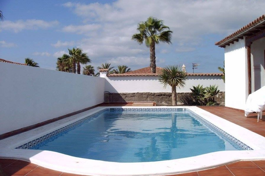 2 Bedroom Detached Villa in Amarilla Golf with Heated Pool