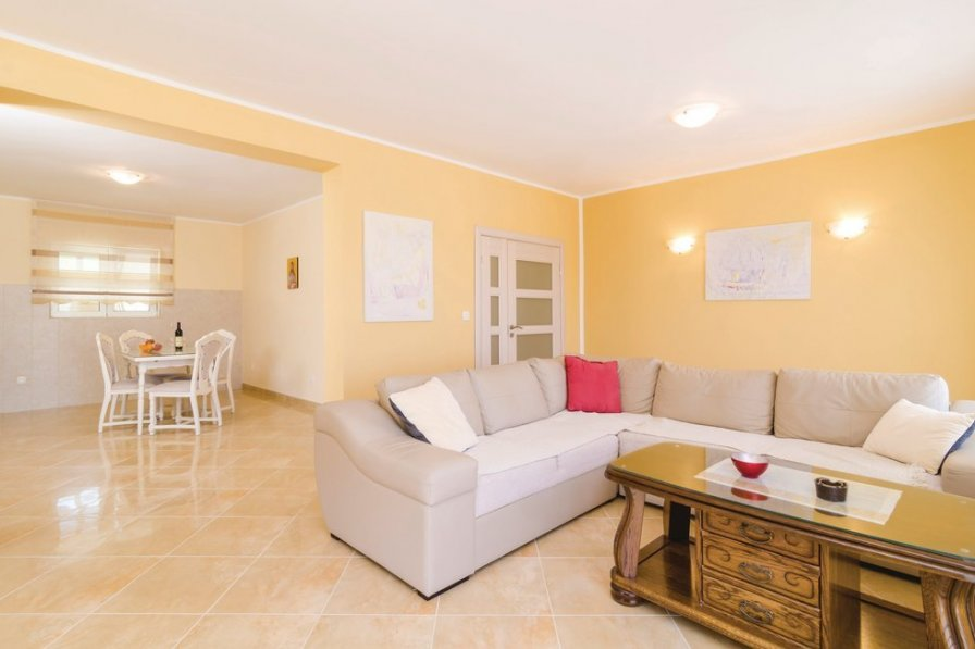 Herceg Novi holiday apartment rental