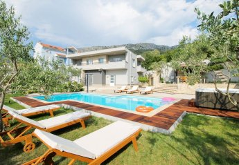 4 bedroom Villa for rent in Podstrana