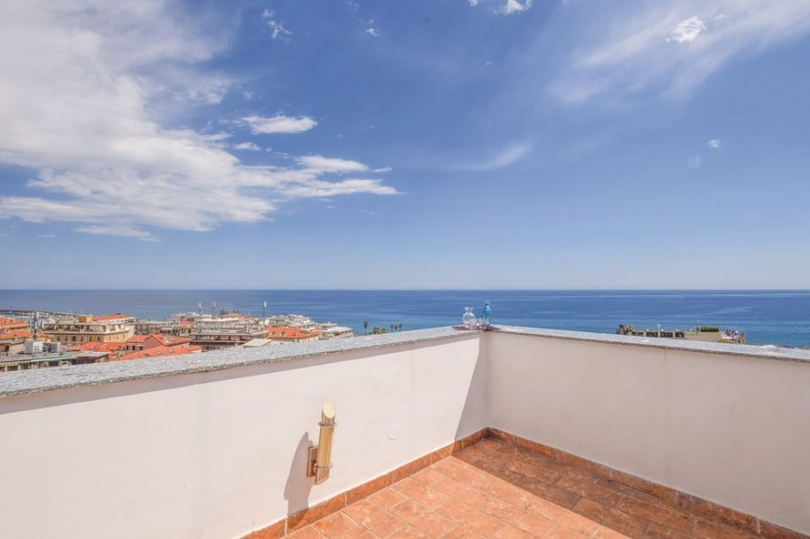 Studio apartment in Italy, San Remo