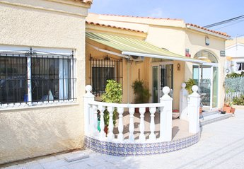 Villa in Spain, Marina-Oasis: Front of Casa Caprichosa