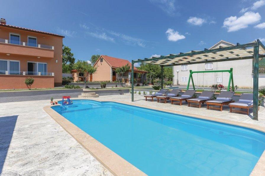 Villa To Rent In Budimiri Croatia With Swimming Pool 206301