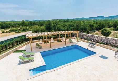 Villa in Bilišane, Croatia