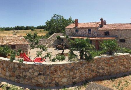 Villa in Mihelići, Croatia