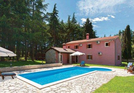 Villa in Kloštar, Croatia
