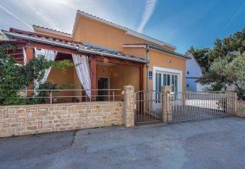 2 bedroom Villa for rent in Brodarica