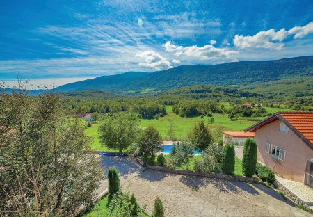 Villa in Crni Kal, Croatia