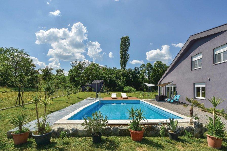 Villa in Croatia, Košute