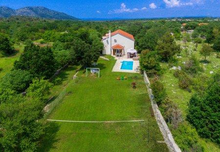 Villa in Gradina, Croatia