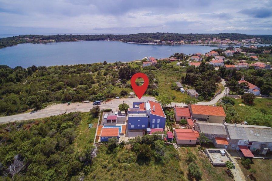 Apartment in Croatia, Verunić