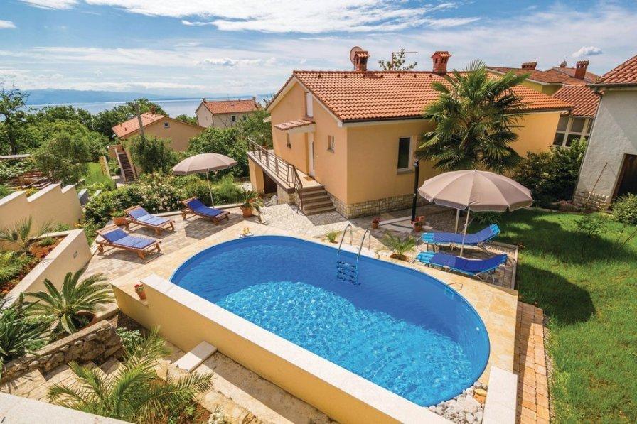 Villa To Rent In Opri Croatia With Swimming Pool 206750