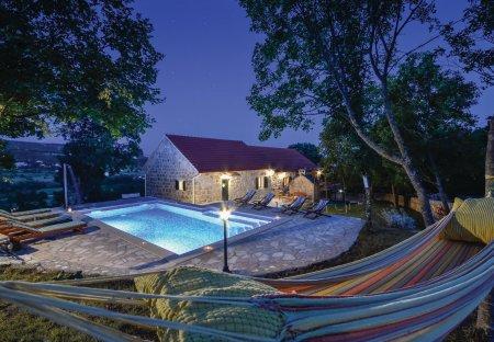 Villa in Rumin, Croatia