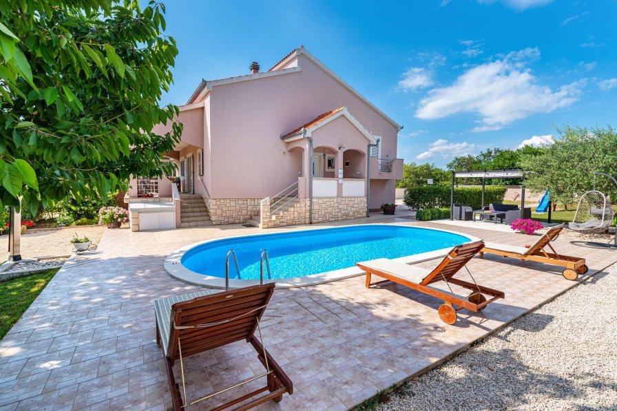 Villa in Croatia, Murvica