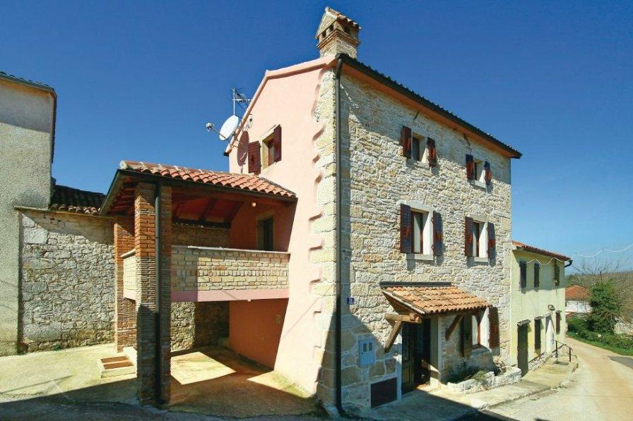 Villa in Croatia, Brig