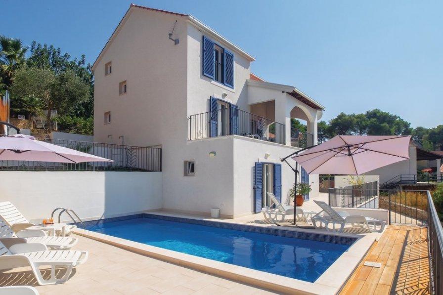 Villa in Croatia, Milna: OLYMPUS DIGITAL CAMERA