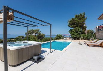 3 bedroom Villa for rent in Makarska