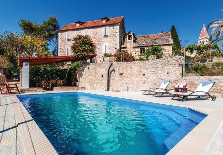 Villa in Bobovišća, Croatia