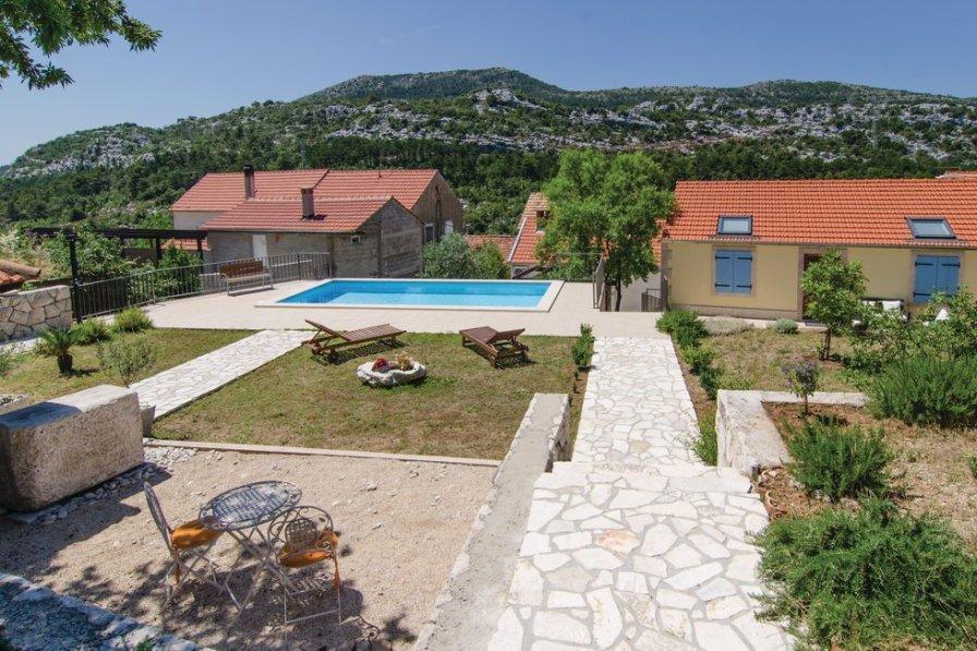 Villa in Croatia, Donja Banda