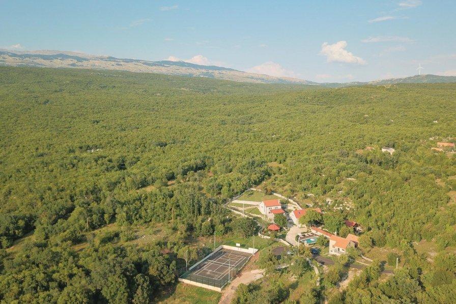 Villa in Croatia, Ljut